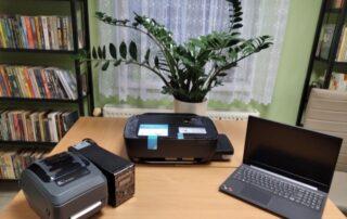 """Zdjęcie sprzętów z projektu """"Kraszewski. Komputery dla bibliotek 2020"""""""